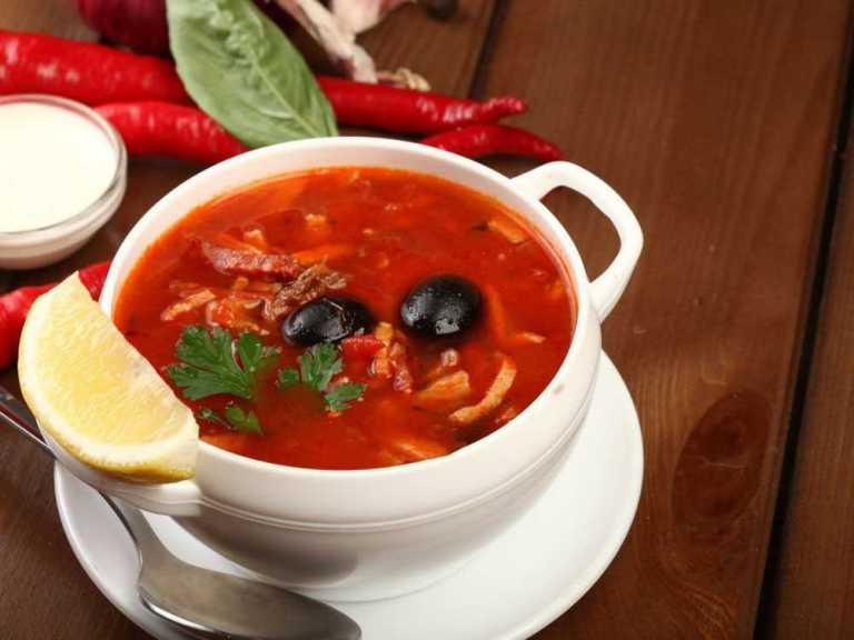 Рецепт приготовить суп солянку в домашних условиях 884