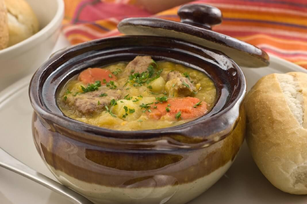 Жаркое в горшочках с мясом, картошкой и сыром в духовке