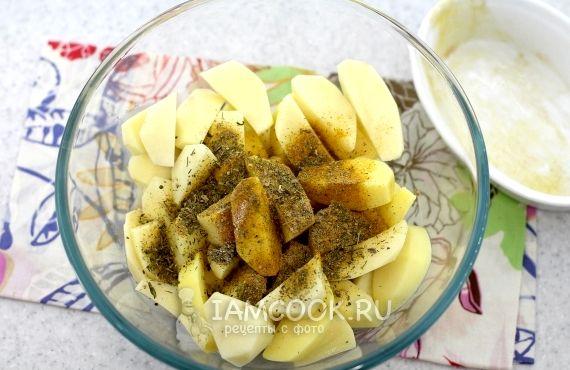 Картофель по деревенски в духовке рецепт с фото пошагово