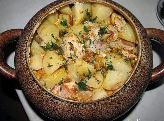 Картошка в горшочке с курицей в духовке рецепт с фото
