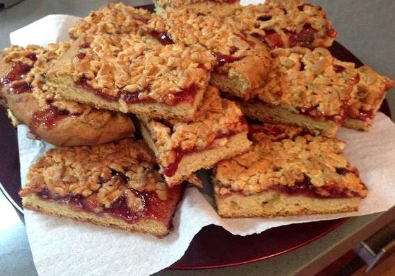 Печенье с вареньем и тёртым тестом сверху рецепт с фото