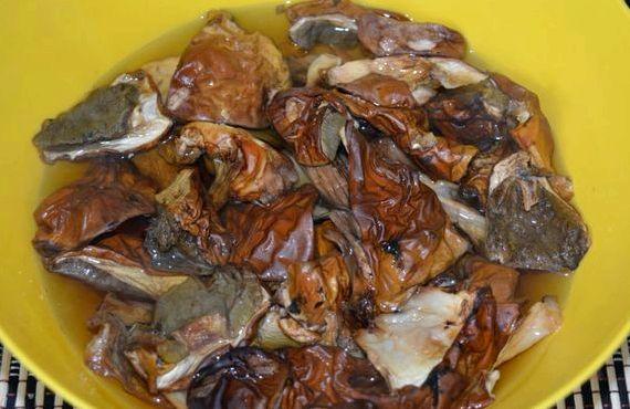 Рассольник с перловкой и солеными огурцами рецепт с фото пошагово с мясом