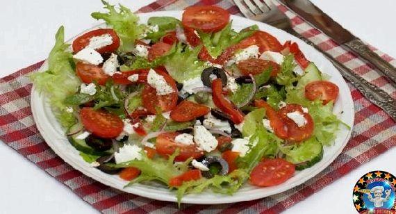Рецепт греческого салата с брынзой и маслинами