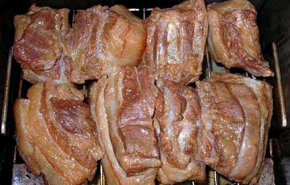 Рецепт грудинки в луковой шелухе в домашних условиях