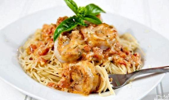 Рецепт спагетти с креветками в сливочном соусе