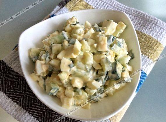 Салат с кальмарами рецепт с яйцом и огурцом