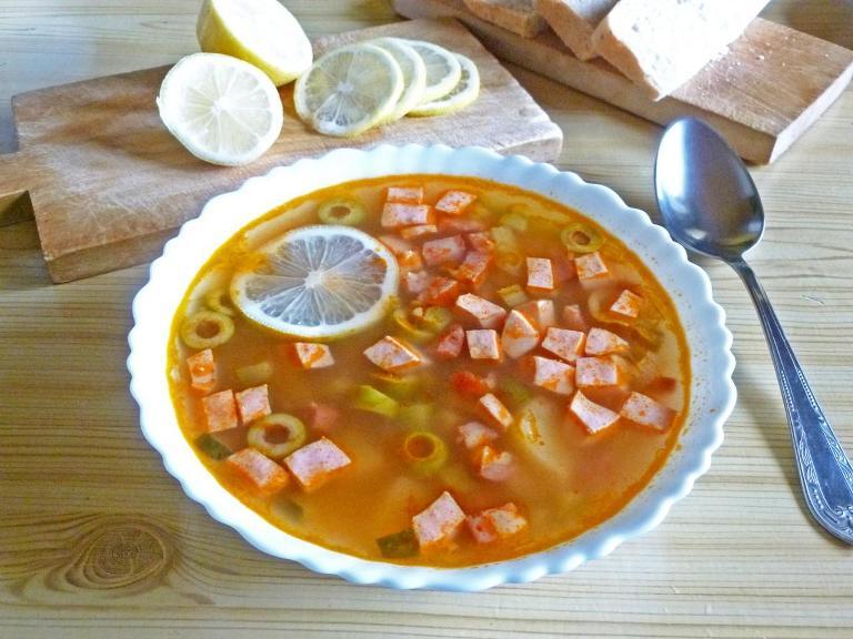 солянка сборная рецепт с колбасой пошаговый рецепт с фото